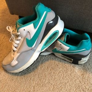 ✔️NIKE AIR MAX ST Shoes